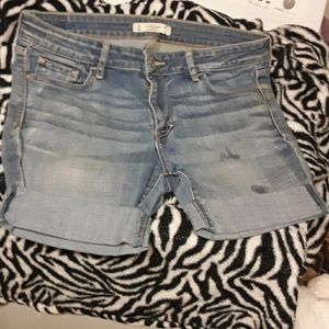 Abercrombie & Fitch Cuffed Denim Shorts